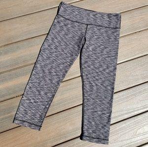 Lululemon Black & Gray Yoga Capris Size 6